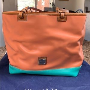 Dooney & Bourke smooth leather tote